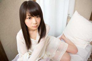 "Unknown ""fan"" slips letter in Akimoto Manatsu's bag"