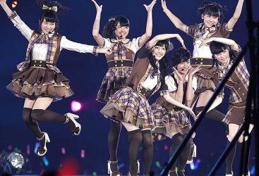 AKB48 Knee High Socks Day 21